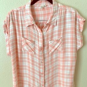 ♥️Extremely soft!❤️ Plaid melon button up shirt